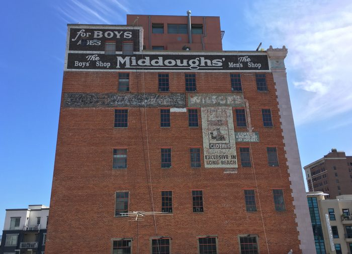 Middough's sign